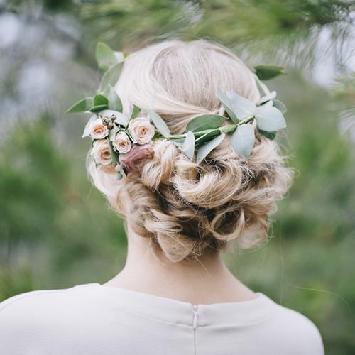 生花を使った髪型