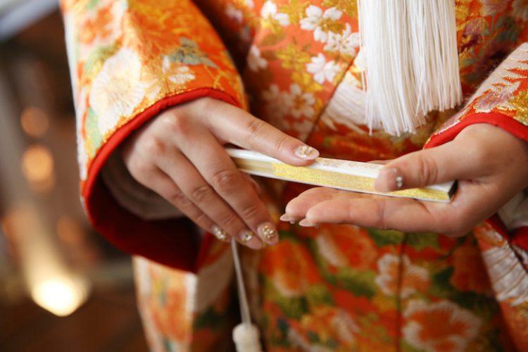 「色打掛」で挙式はアリ?花嫁のイメージ別!着物の色の選び方