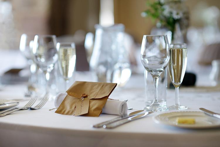 挙式と別の日に披露宴をする場合
