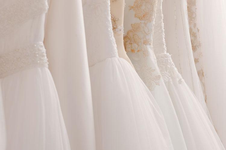 ウェディングドレスの素材