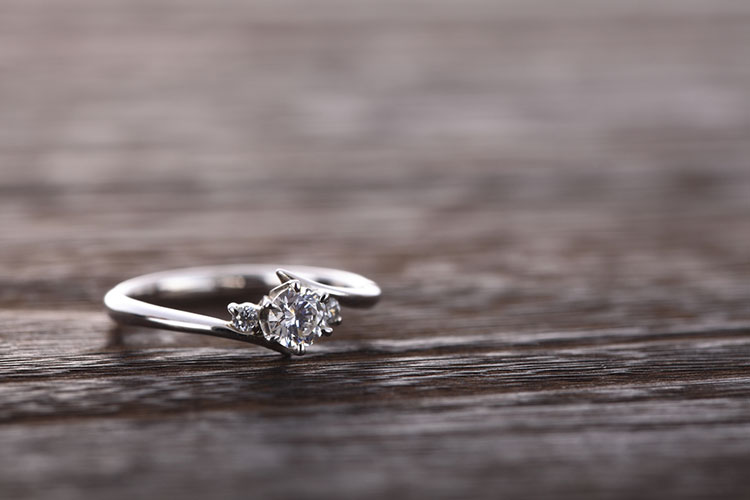 メレダイヤの婚約指輪