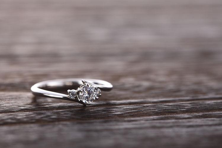 メレの婚約指輪