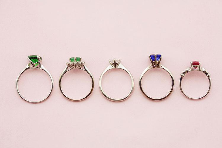 ダイヤモンド以外の婚約指輪