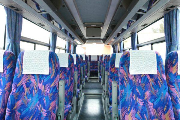 大型バスの座席例