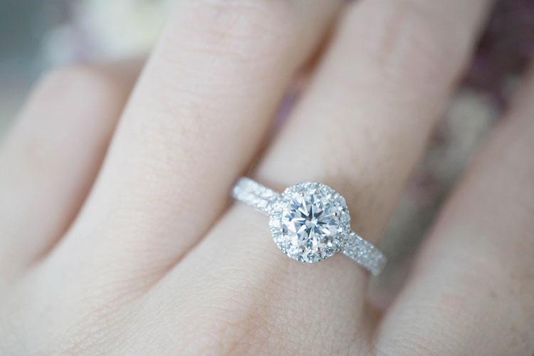 婚約指輪の価格