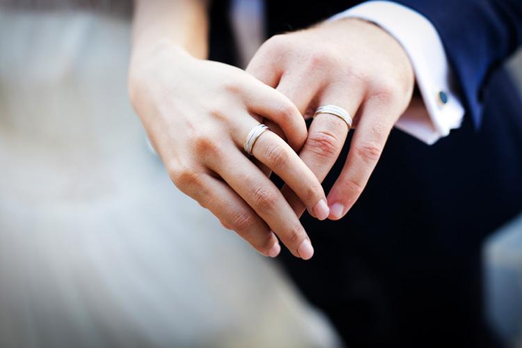 結婚指輪にステンレスはあり?
