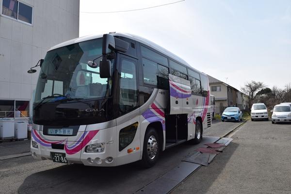 一般的な中型バス