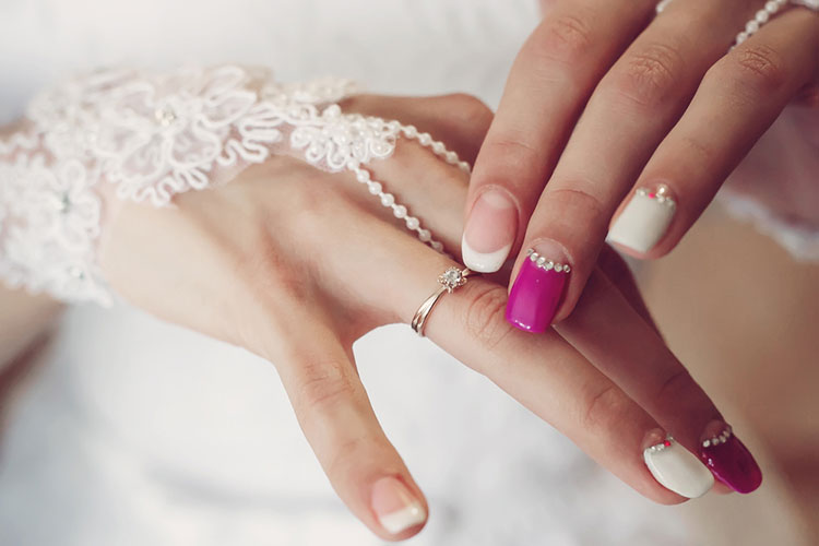 【花嫁美容】ブライダルネイルが映える、ハンドケアのやり方
