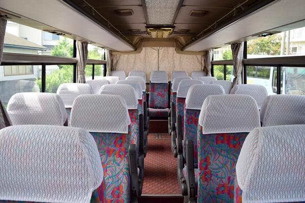 小型バスの座席例