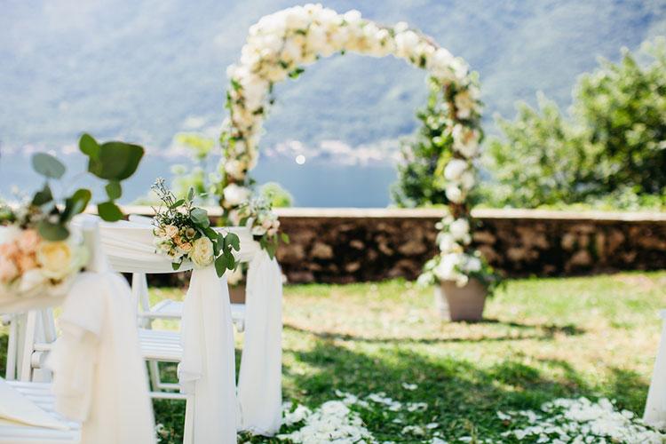 海外風の結婚式を叶える♩『ガーデンウェディング』の会場装飾アイディア