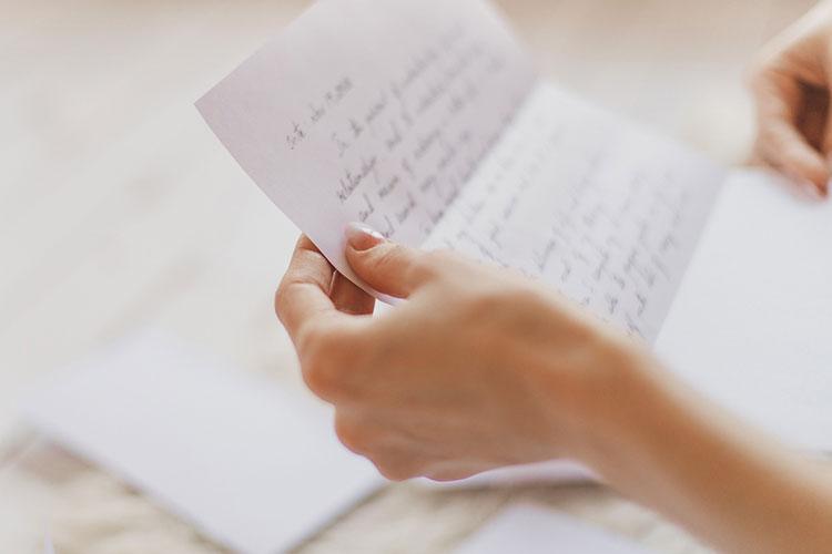 文例 花嫁の手紙の書き方 書き出し 結びまで マネして書ける