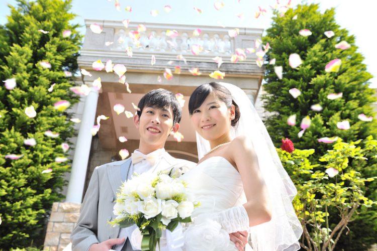 ゴールデンウィークは避けるべき?5月に結婚式を挙げるメリットや注意点
