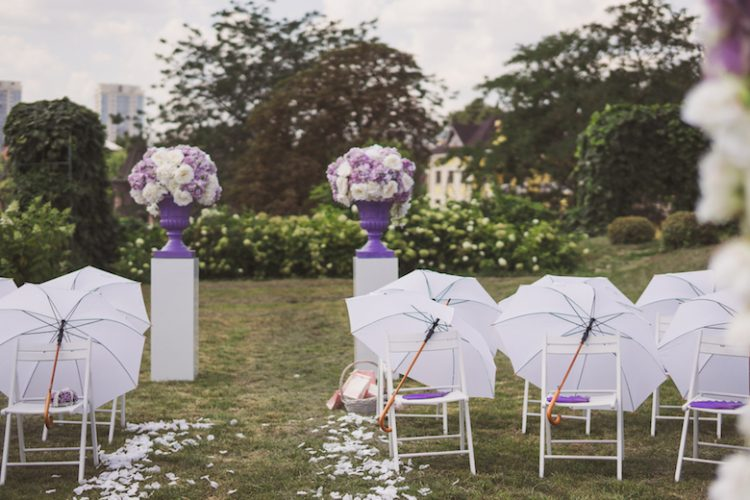 結婚式 梅雨