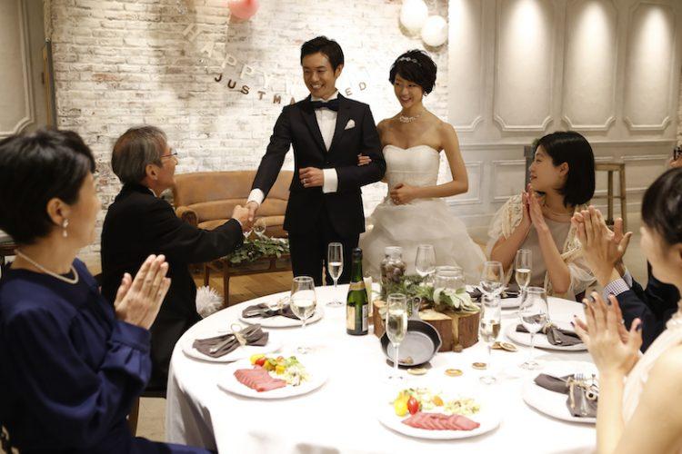 「二部制結婚式」で披露宴を2回に分けるメリット・デメリットや費用相場とは