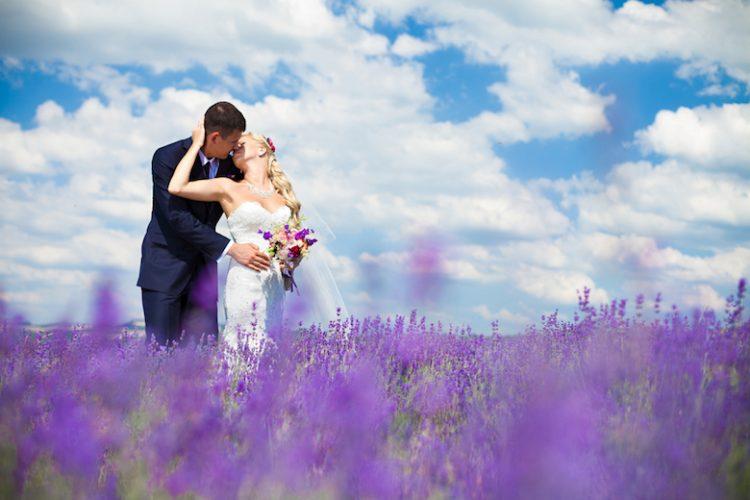 7月の結婚式でも迷惑だと思われない!利点や抑えるべきポイント・日取り
