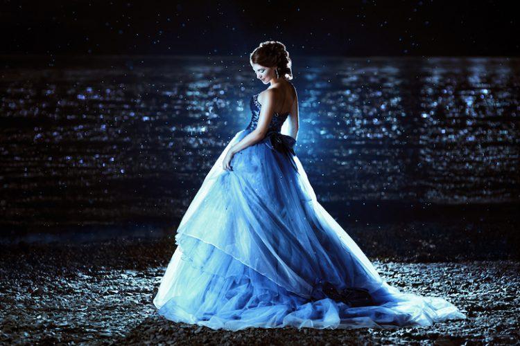 ブルー ウェデングドレス