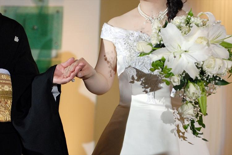 披露宴で花嫁が中座する