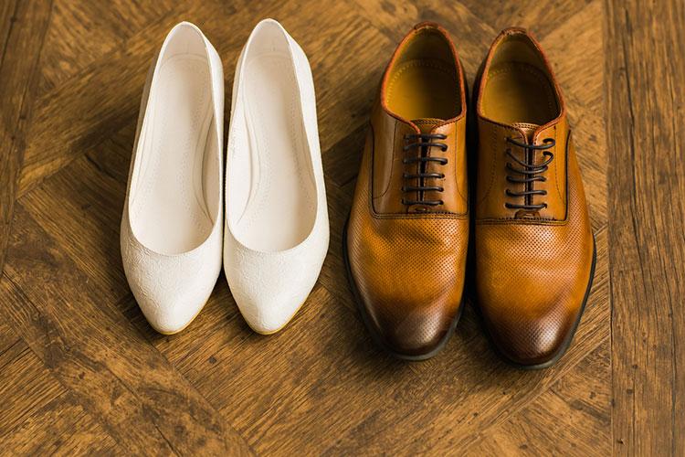 カップルの靴
