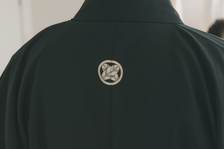 紋付き袴の家紋