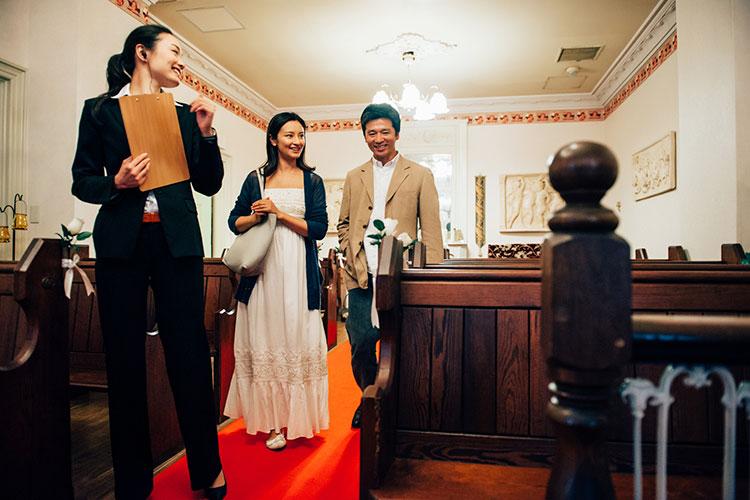 ウェディングプランナーと結婚式場見学