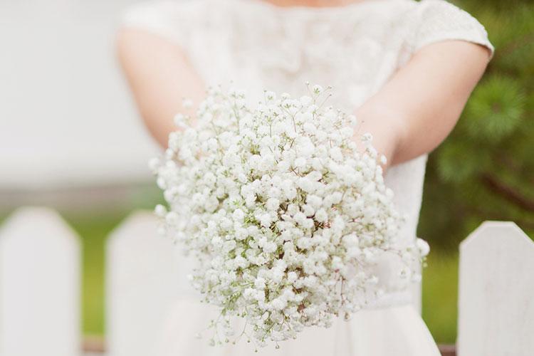 かすみ草のブーケが結婚式で大人気♪先輩花嫁たちのアレンジ