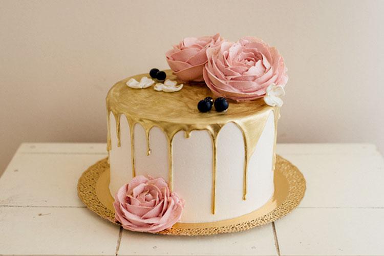 最新&大人っぽい♩「金箔」ウェディングケーキアイディア