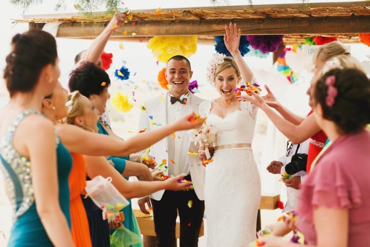 結婚式の二次会「なし」はアリ?メリット・デメリットは?
