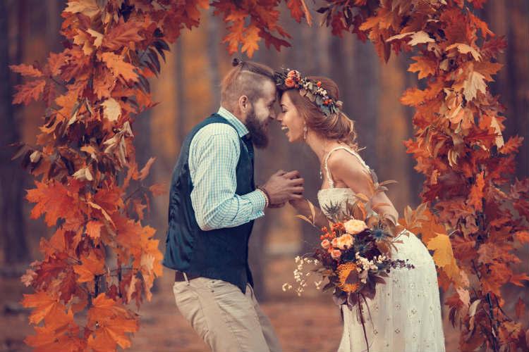 10月の結婚式は人気!メリット・デメリットやおすすめ秋テーマは?