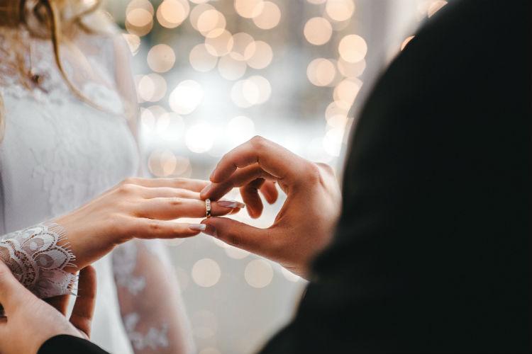 11月の結婚式は寒い?メリット&デメリットと成功ポイント