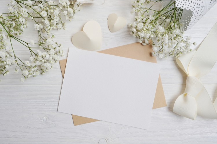 結婚式の親族写真は「手紙」を添えて。書き方のマナーと送り方