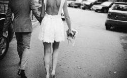 ミニ丈のウェディングドレス