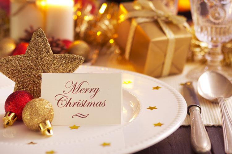 12月の結婚式に最適!クリスマスウェディングの席札アイディア10個