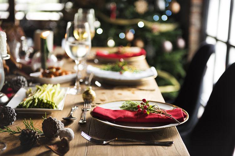 クリスマスウェディングのテーブルコーデは、海外花嫁を参考に