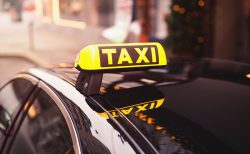 ゲストのおもてなしに。結婚式の「タクシーチケット」準備方法