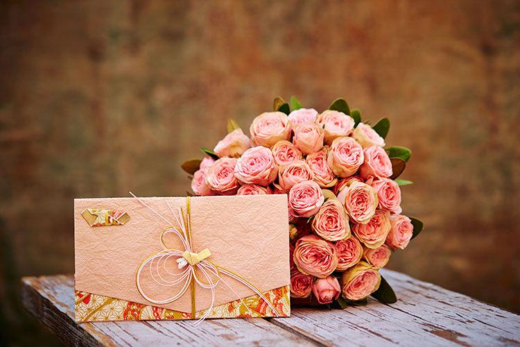 結婚式の媒酌人へのお礼はどうする?謝礼金や挨拶のマナー