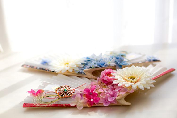 花モチーフの扇子