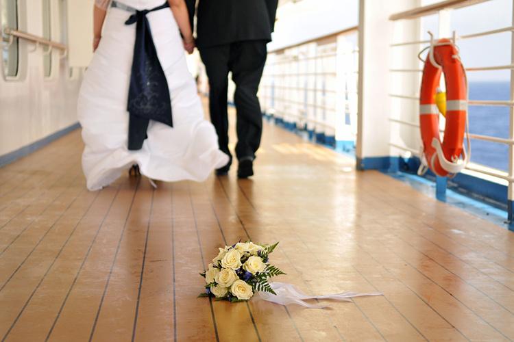 船上結婚式ができる客船は?