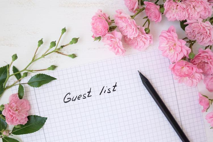 結婚式「招待客リスト」の作り方!ゲストの選び方~便利な活用方法