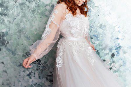 ボリューム袖のウェディングドレス
