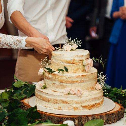 セミネイキッドウェディングケーキ