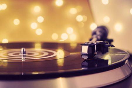 レコードを流す