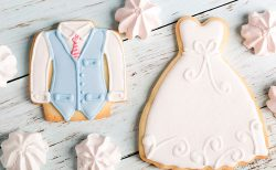 結婚式デザインのアイシングクッキー