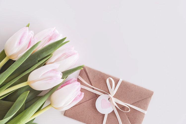 春婚の招待状が可愛い!海外の春らしい招待状アイディア