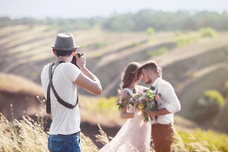 結婚式の前撮りはいつする?オススメ時期&撮影プランを解説!