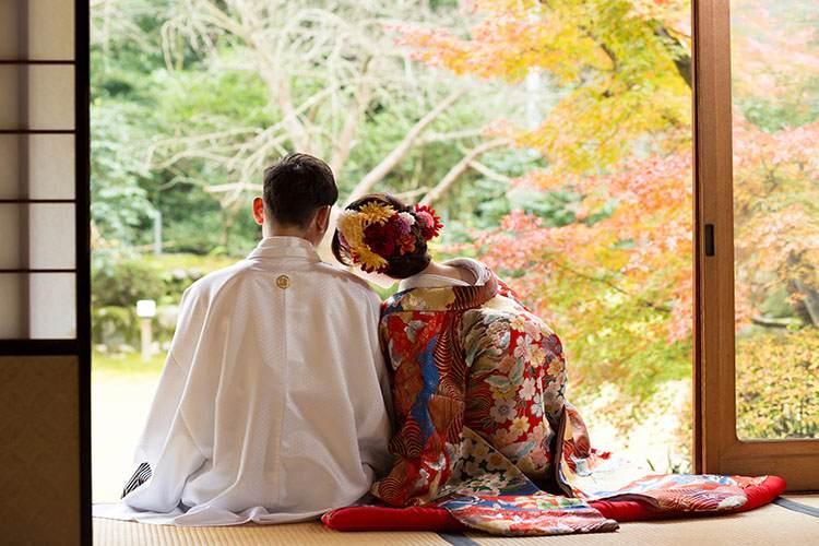 結婚式の前撮りで和装が人気の理由は?キレイに見せるポーズも