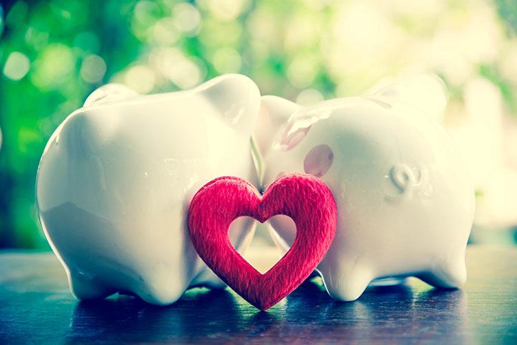 貯金箱とハート
