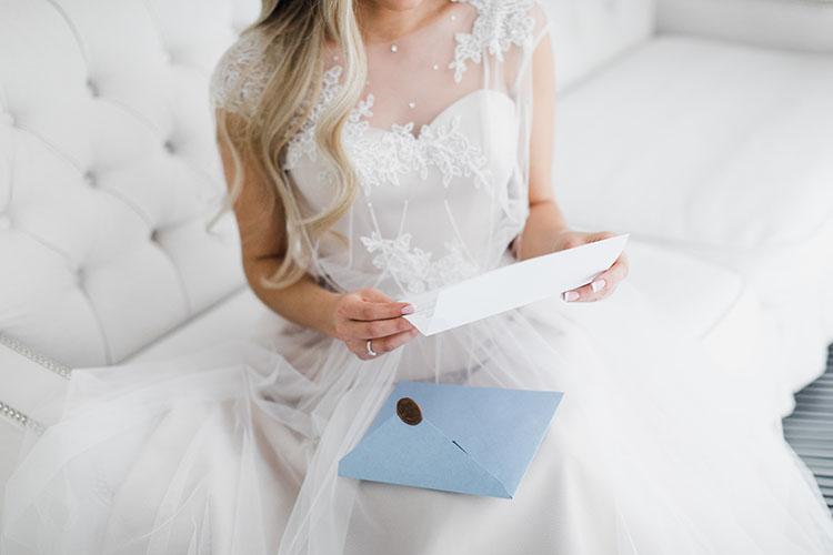 花嫁の手紙は台紙付きでギフトに!おすすめアイテム&手作りアイデア
