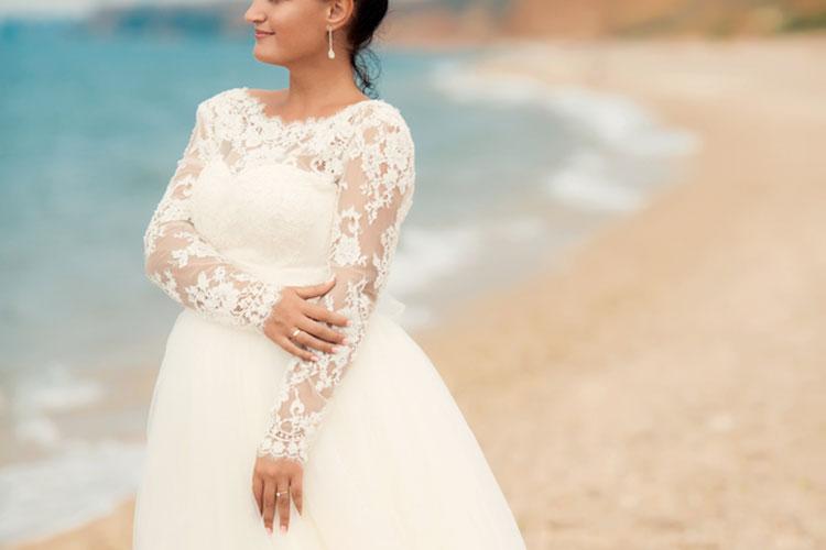 ぽっちゃりでもかわいい!海外花嫁に学ぶウェディングドレスの着こなし