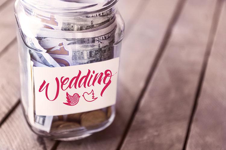 【結婚式費用】自己負担額の割合はどれくらい?相場&減らすポイント