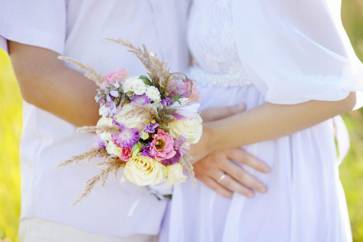 【文例】花嫁の手紙、授かり婚・子連れ婚の場合はどう書く?